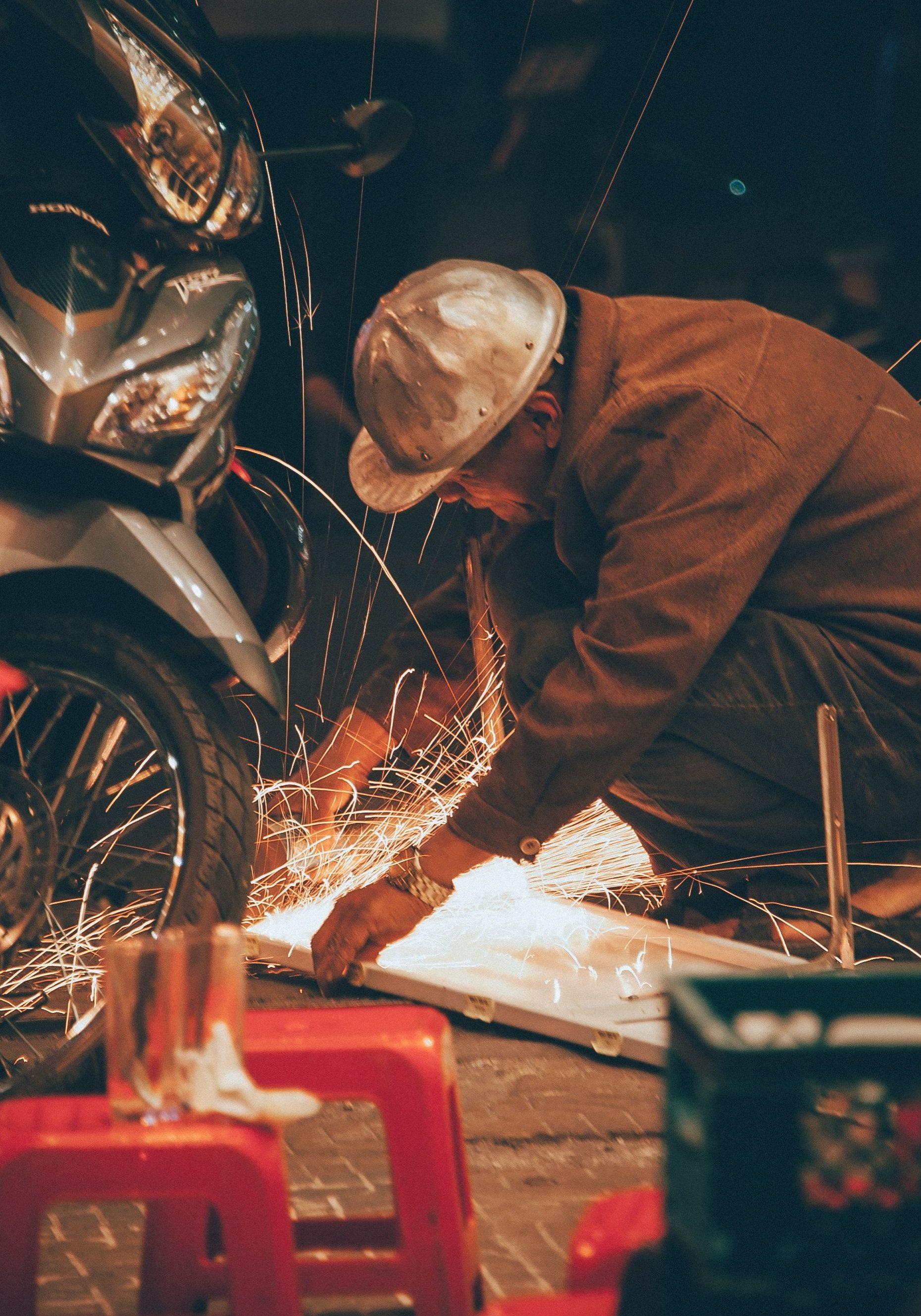 Welding motorcycles-compressor